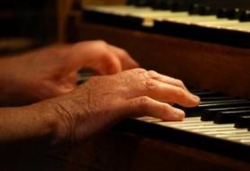 piano-anciano